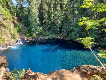 Adventure: OR | Hike | Blue River Adventure