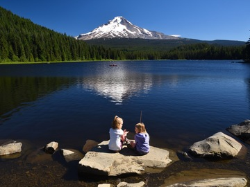Adventure: OR | Photography | Trillium Lake Picnic and Photoshoot